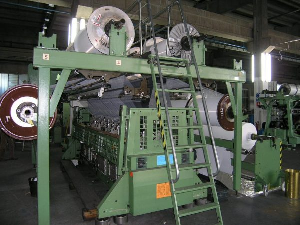 R42_2-raschel-machines-double-needle